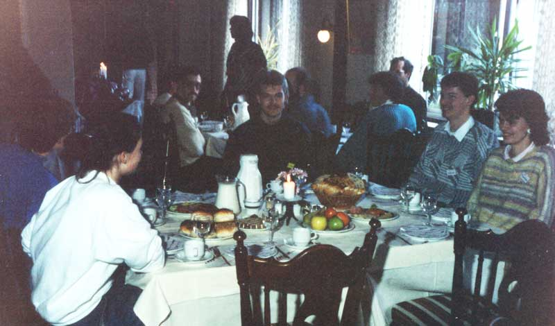 Lunch at the IMC 1988 was of a much higher standard than the usual youth hostel food of other IMCs (credit Casper ter Kuile).