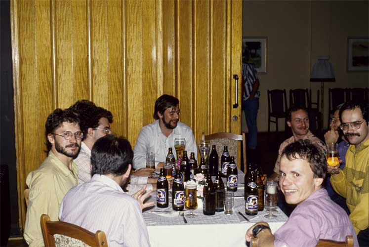Free chat in the evening, at left Roland Egger, in the back Ulrich Sperberg, Pierre Bader, Hans-Georg Schmidt, André Knöfel at right and in front Ralf Koschack (credit Axel Haas).