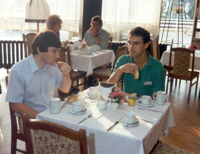 Lunch at the 1991 IMC, Malcolm Currie and Marc de Lignie (credit Casper ter Kuile).
