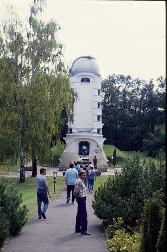 IMC visitors at the Einsteinturm Solar observatory (credit Axel Haas).