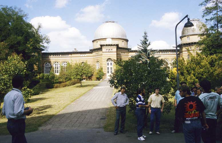 From l.to r. Ulrich Sperberg, Daniel Ocenas, Jürgen Rendtel guiding through the observatory parc, Malcolm Currie, Stefan Ströbele (in front), Mark Vints (partly hidden), Jaroslav Gerbos, Gennadij Andreev, Peter Zimnikoval, Ragnar Bödefeld, Mirko Nitschke and Casper ter Kuile (on the edge) (credit Paul Roggemans).