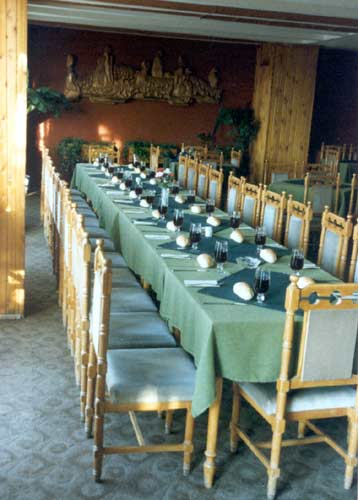 The dining room at the 1994 IMC (credit Casper ter Kuile).