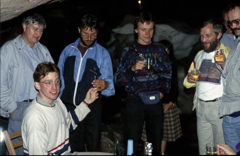 In the cave, from l.to r.Daniel Ocenas,Felix Bettonvil, Jaroslav Gerbos, Ralf Koschack, Jürgen Rendtel and André Knöfel (credit Axel Haas).