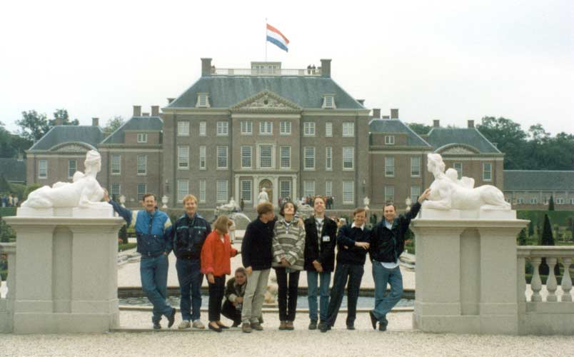 The excursion to the Royal Palace 'Het Loo' in Apeldoorn. The LOC with Dick Gevers, Jacob Kuiper, Désirée Bouw, Annemieke Zwaans, Felix Bettonvil, Dragana Okolić, Joost Hartman, Urijan Poerink and Jacques Bouw (credit Casper ter Kuile).
