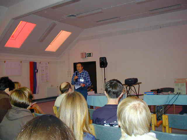 Peter Zimnikoval during a lecture about the lunar meteors (credit Javor Kac).