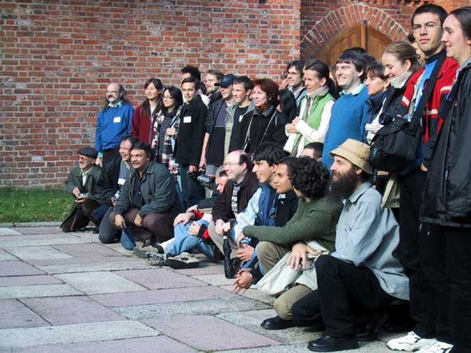 During the excursion, a group photo at the Copernicus monument (credit Casper ter Kuile).