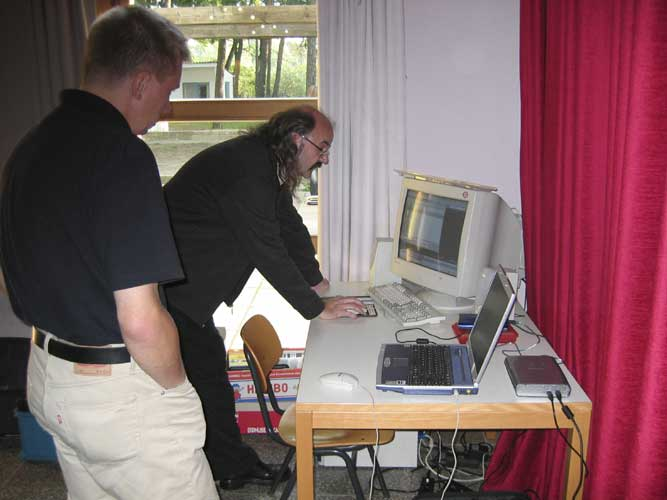 Mirko Nitschke and Axel Haas with his 'portable PC' (credit Casper ter Kuile).