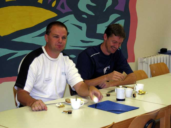 Lunch at the 2003 IMC Arnold Tukkers and Jos Nijland (credit Casper ter Kuile).
