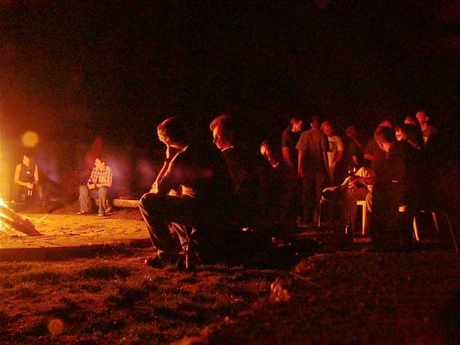 A warm summernight around the campfire (credit Rainer Arlt).