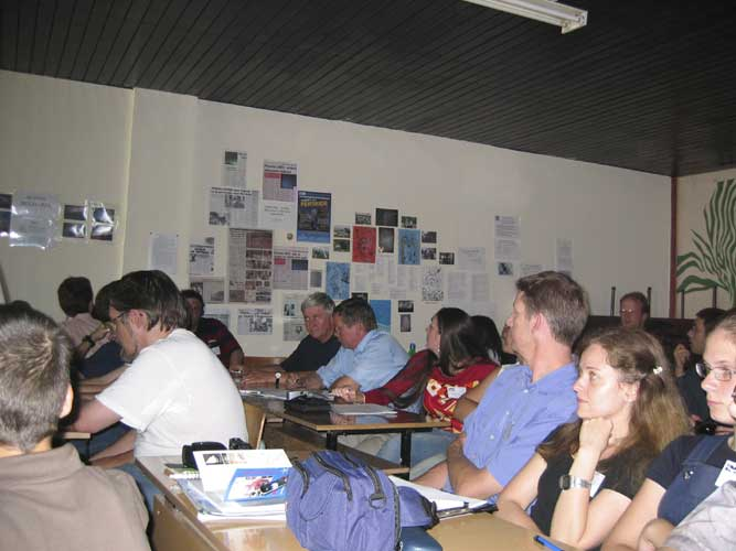 The public during the lecture sessions (credit Casper ter Kuile).