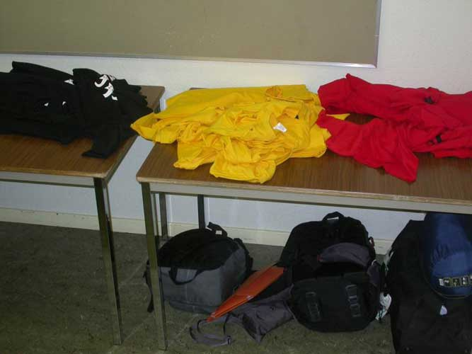 Waiting for participants to arrive... colorful T-shirts (credit Jean-Marc Wislez).