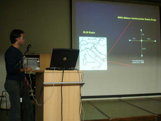 Stefano Ferretti presenting 'Radiant mapping with bistatic radars: a new method' (credit Jos Nijland).