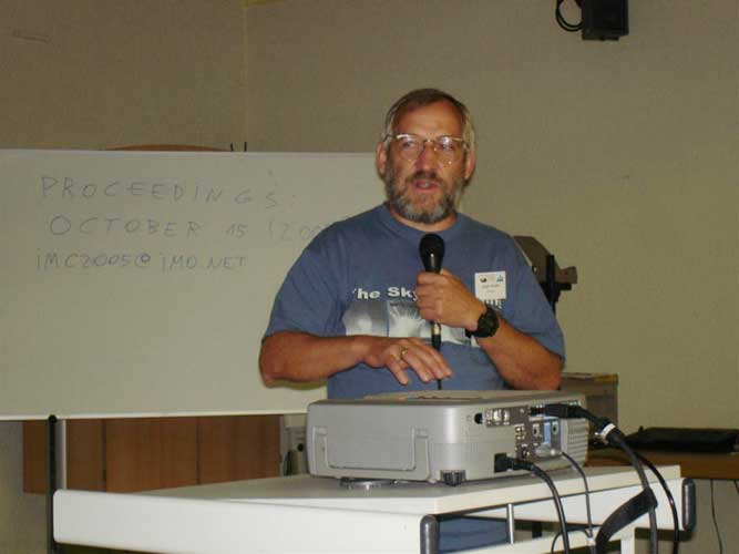Jürgen Rendtel speaking the closing words of the 2005 IMC (credit Jos Nijland).