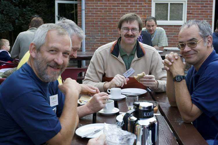 Breakfast with from l.to r. Jürgen Rendtel, Chris Trayner, Bernd Brinkmann and André Knöfel (credit Rainer Arlt).