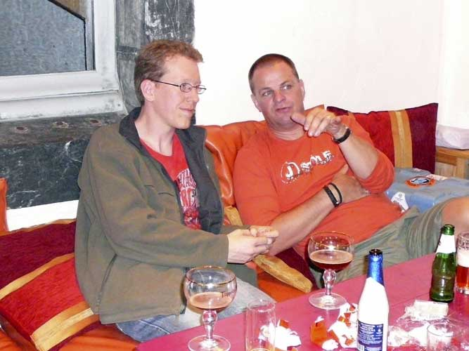Roy Keeris and Arnold Tukkers enjoying the available Belgian beers (credit Detlef Koschny).