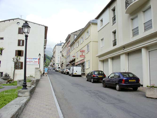 The main street in Barèges from the lecture room to the host l'Hospitalet (credit Galina Ryabova).