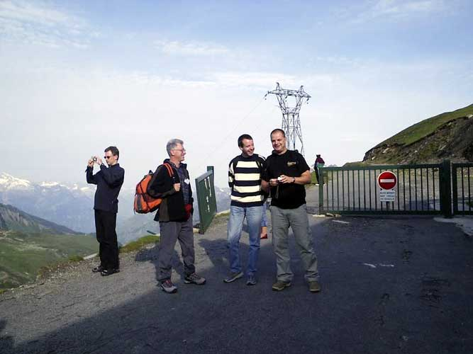 Stop at Tourmalet: from l.to r. Roland Winkler, Stane Slavec, Javor Kac and Arnold Tukkers (credit Adriana Nicolae).
