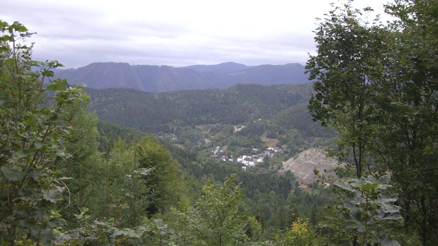 The landscape near the 2008 IMC host (credit Jean-Louis Rault).