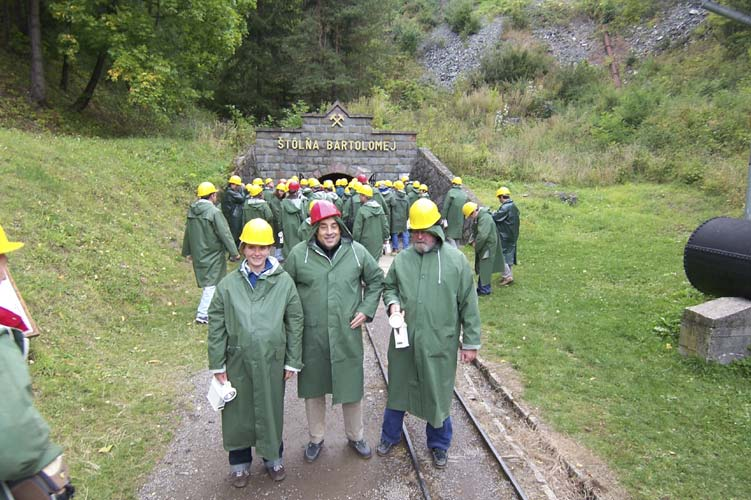 The French connection ready to go underground: Lucie Maquet, François Colas and Jean-louis Rault before the mine entrance (credit François Colas).