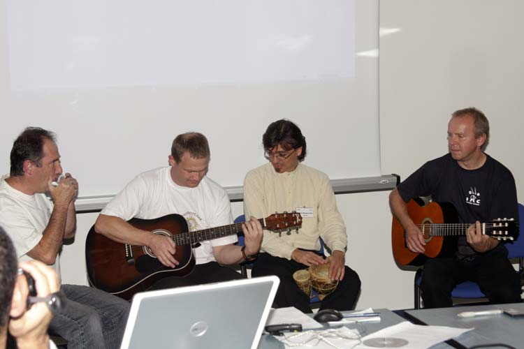 A musical intermezzo with Jan Masiar (Harmonica), Stanislav Kaniansky (guitar), Antonio Martínez Picar (drum) and Pavol Zigo (guitar) (credit Bernd Brinkmann).