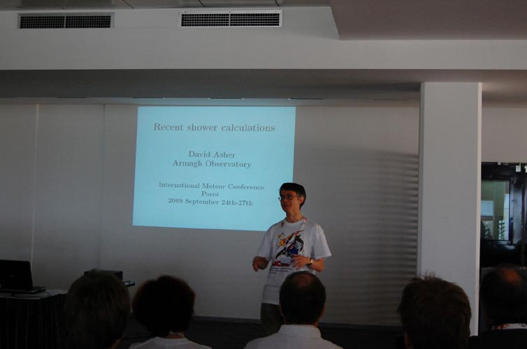 David Asher presenting 'Recent shower calculations' (credit Gabriela Sasu).