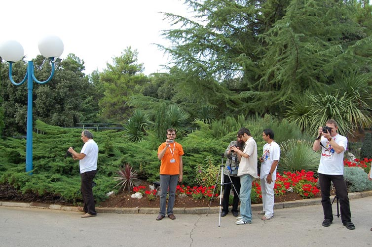 The photographers of the group photo. From l.to r. Korado Korlević, Cezar Lesanu, Valentin Grigore, Cristian-Daniel Grigore, Mihail Robescu and Stanislav Kaniansky (credit Gabriela Sasu).