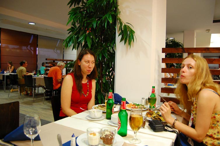 Friday evening dinner with Višnja Jankov and Ana Banković (credit Gabriela Sasu).