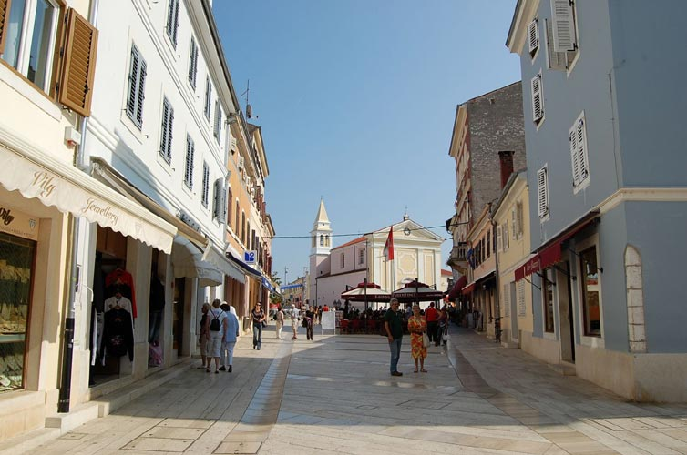 Street view of old Poreč town, the streets (credit Gabriela Sasu).