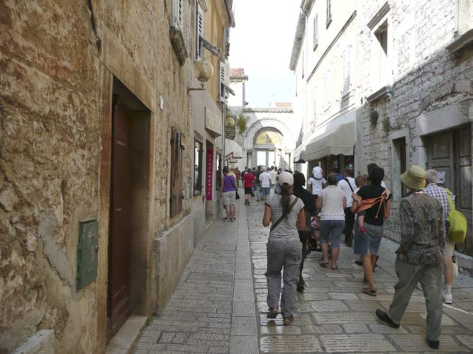 Through the streets of old Poreč town towards the Euphrasian Basilica (credit Paul Roggemans).