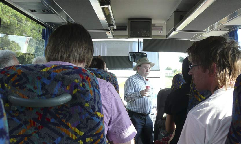 Marc Gyssens makes the announcements when the two IMC busses start to the Višnjan Observatory (credit Paul Roggemans).