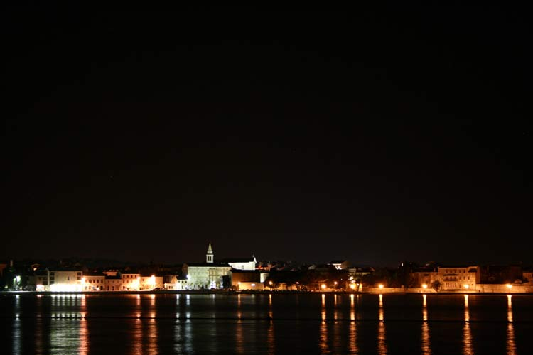 Poreč by night (credit Valentin Grigore).