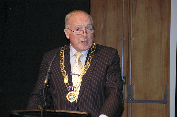 The welcome speach by Jim Speers, Mayor of Armagh City and District (credit EurAstro - Jean-Luc Dighaye).