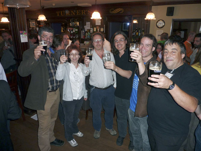 Social evening in the Turners Pub: from l.to r. Frans Lowiesen, Galina Ryabova, Mark Neijts, Antonio Martinez, Cis Verbeeck and François Colas (credit Jos Nijland).