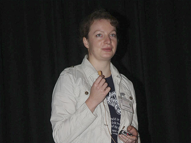 Lecture by Maria Gritsevich:'Fireball aerodynamics and luminosity' (credit Bernd Brinkmann).