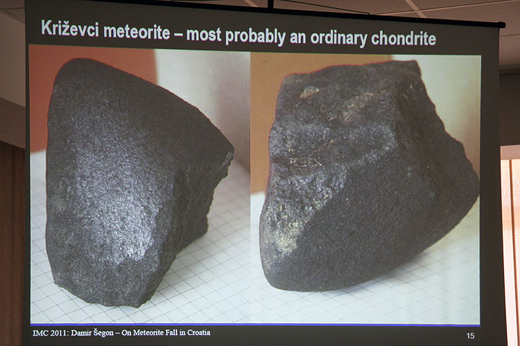 Damir Segon with the lecture 'On the meteorite fall in Croatia' (credit Bernd Brinkmann).