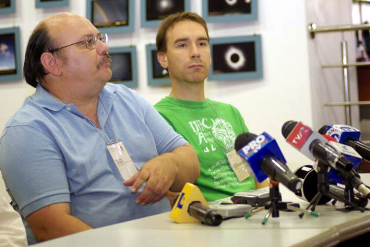 Press conference with Bill Cooke and Jeremie Vaubaillon (credit Valentin Grigore).