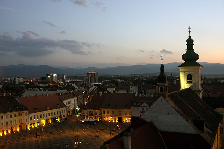 During the walk in the historic city: the market place seen from the old tower of Sibiu (credit Bernd Brinkmann).