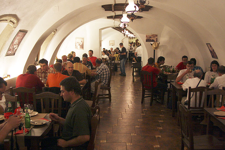Friday evening traditional Romanian dinner in Sergiana Restaurant (credit Bernd Brinkmann).