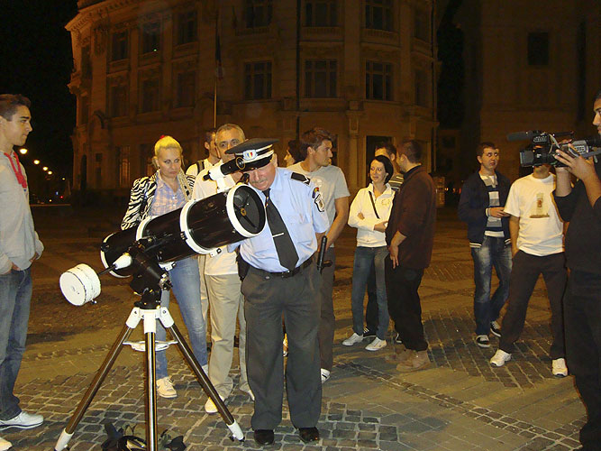 Friday evening star party for the public on the market place of Sibiu (credit Anna Kartashova).
