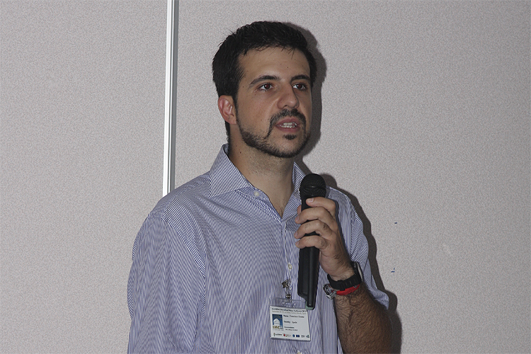 Francisco Ocaña with his lecture 'The 2011 Draconids outburst: UCM group results from Spain' (credit Bernd Brinkmann).