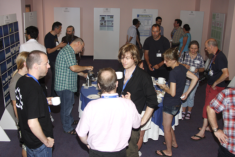 Coffee break with from left to right Javor Kac, Thomas Weiland (back), Geert Barentsen, Antal Igaz, Lidia Egorova, Eva Stefanova Bojurova and Casper ter Kuile (credit Bernd Brinkmann).