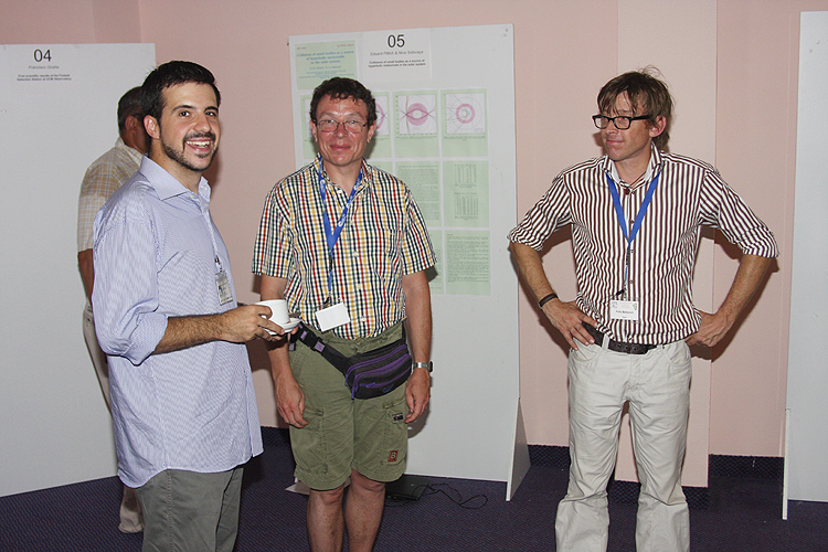 Coffee break with from left to right Francisco Ocaña, Paul Roggemans and Felix Bettonvil (credit Bernd Brinkmann).