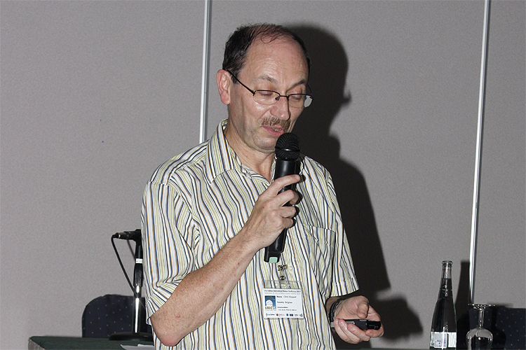 Christian Steyaert with his lecture 'Global radio Draconids 2011' (credit Bernd Brinkmann).