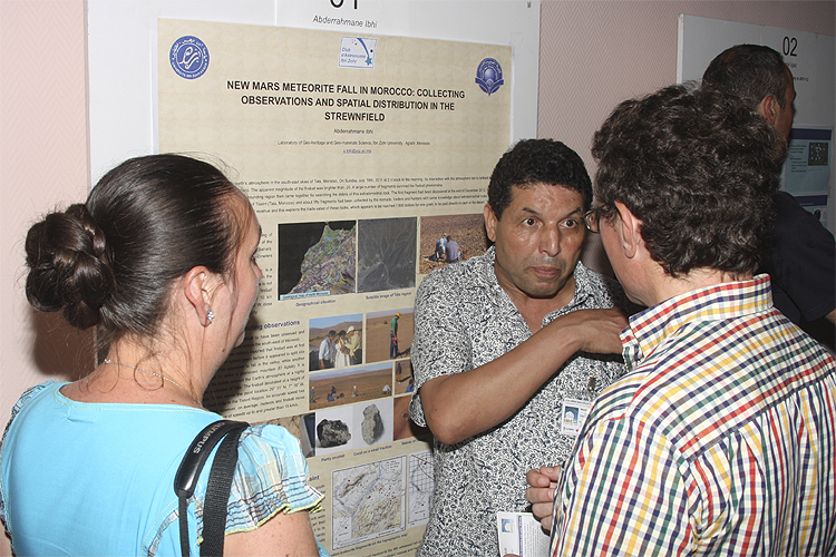 During the poster session: Adriana Roggemans, Abderrahmane Ibhi and Paul Roggemans (credit Bernd Brinkmann).