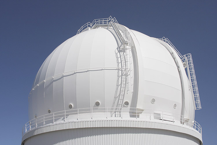 During the excursion: dome of the 4m telescope (credit Bernd Brinkmann).