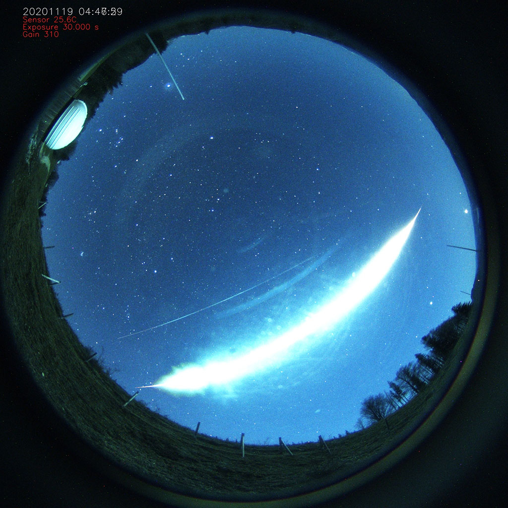 Figure 2- Picture of the November 19th, 03h 47min UT fireball from Reichraming (Austria). Credit:  Herbert R.
